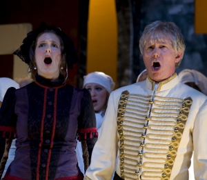 Jacqueline White as Handmaiden and Roger Hanke as Macduff - Mabceth 2009